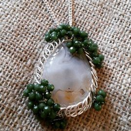 Agate and emerald pendant