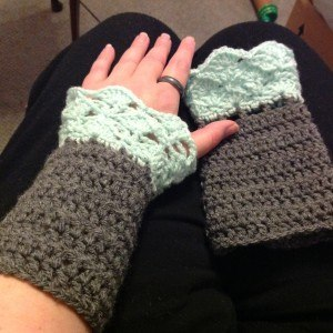 iPretty crocheted wrist warmers