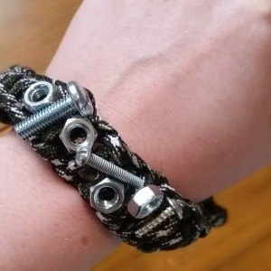Handy magnetic tool bracelet wristband