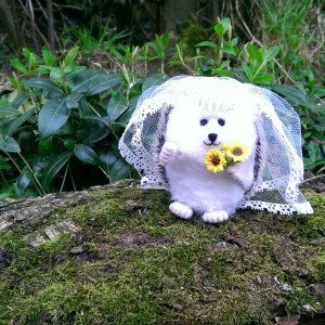 Needlefelt Bride Wedding Hedgehog – Mrs Hog