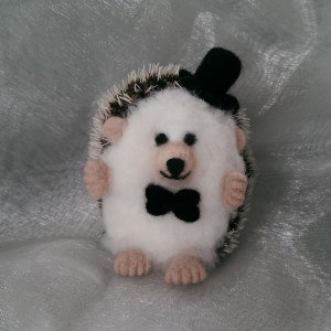 Needlefelt Groom Wedding Hedgehog - Mr Hog - Conscious Crafties mini hedgehog mini hog