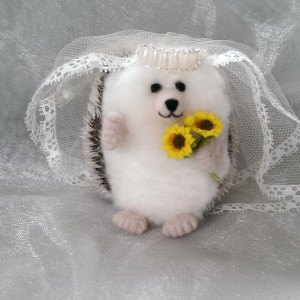 Needlefelt Bride Wedding Hedgehog - Mrs Hog - Conscious Crafties mini hedgehog mini hog