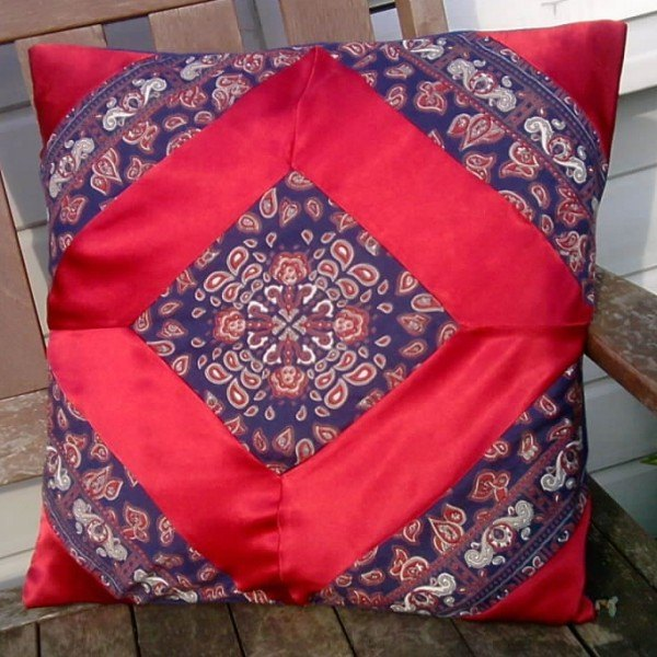 Recycled satin diamond pattern cushion cover