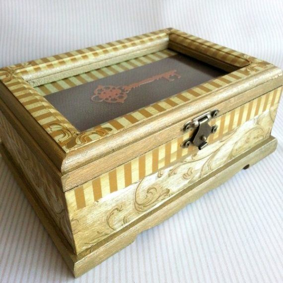 Memory Trinket Jewellery Box in Gold and Cream