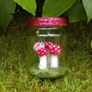 Needlefelt Miniature Fairy Pets Jar - Smiling Heart Snail