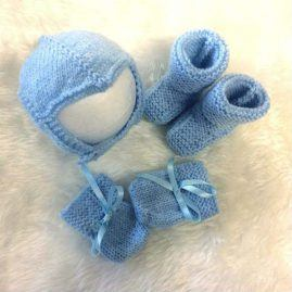 baby's blue accessory set
