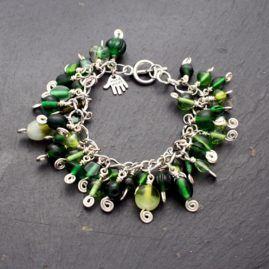 Pretty Handmade Beaded Charm Bracelet Choice Of Six Colours 1a
