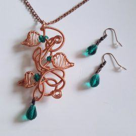 Handmade Wirework Copper Chaos Vine Pendant Set With Green Crystals – Option 1