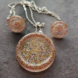 Goldsilver glitter button 2 piece set.