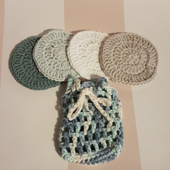 Soap Saver AND Set of 4 Face Scrubbies Free P&P